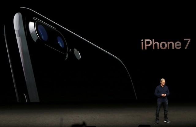 سعر ايفون 7 بلس الجديد